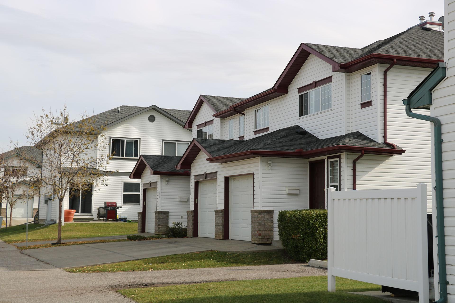 CS Management Inc. - Lakeview Greens Condominiums