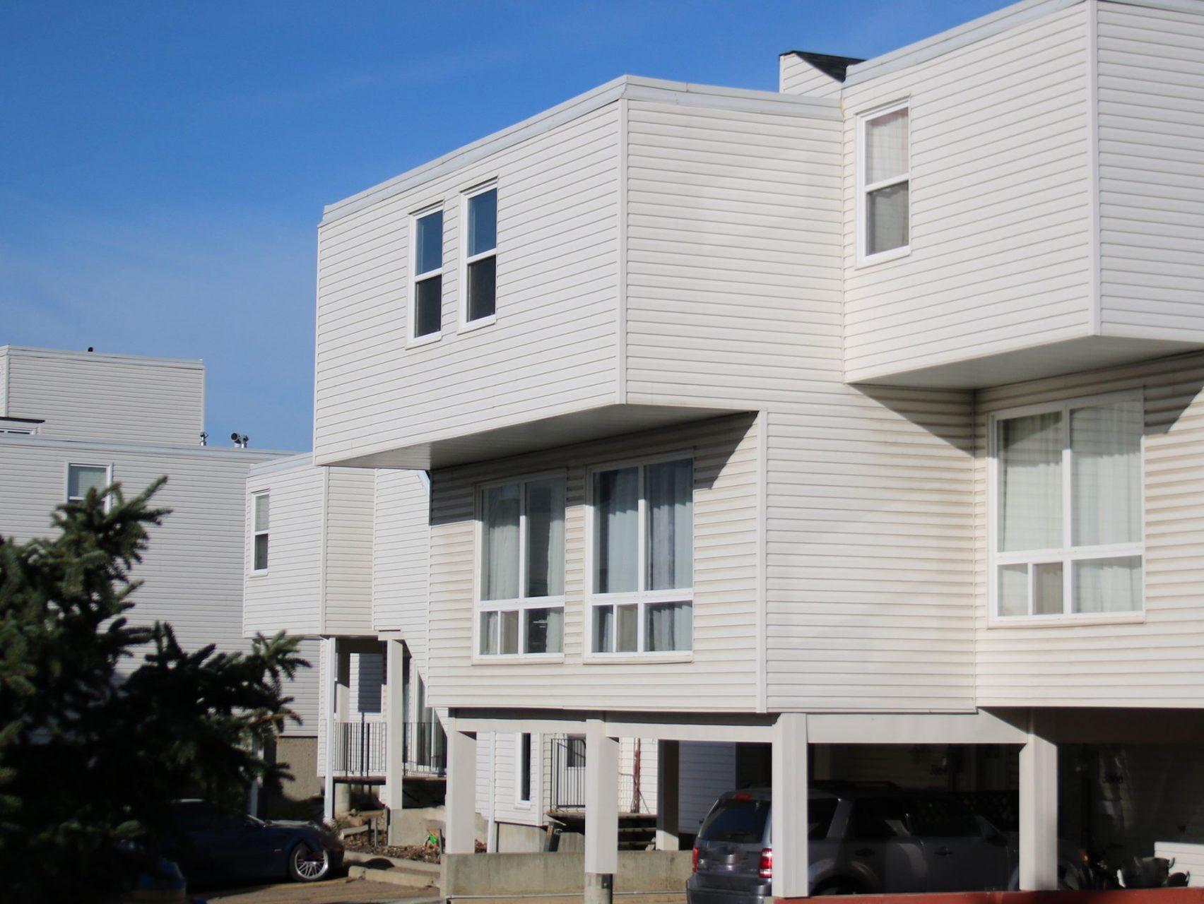 CS Management Inc. - Meadow Lane Condominiums
