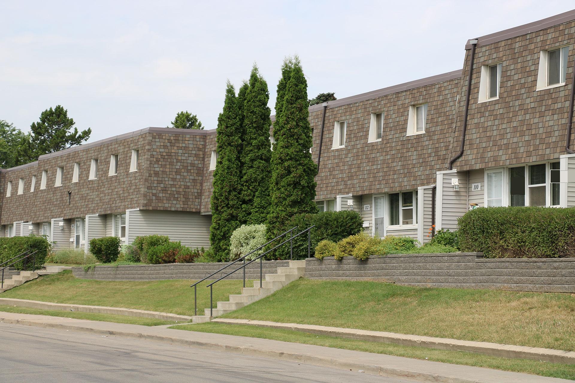 CS Management Inc. - Village On The Green Condominiums